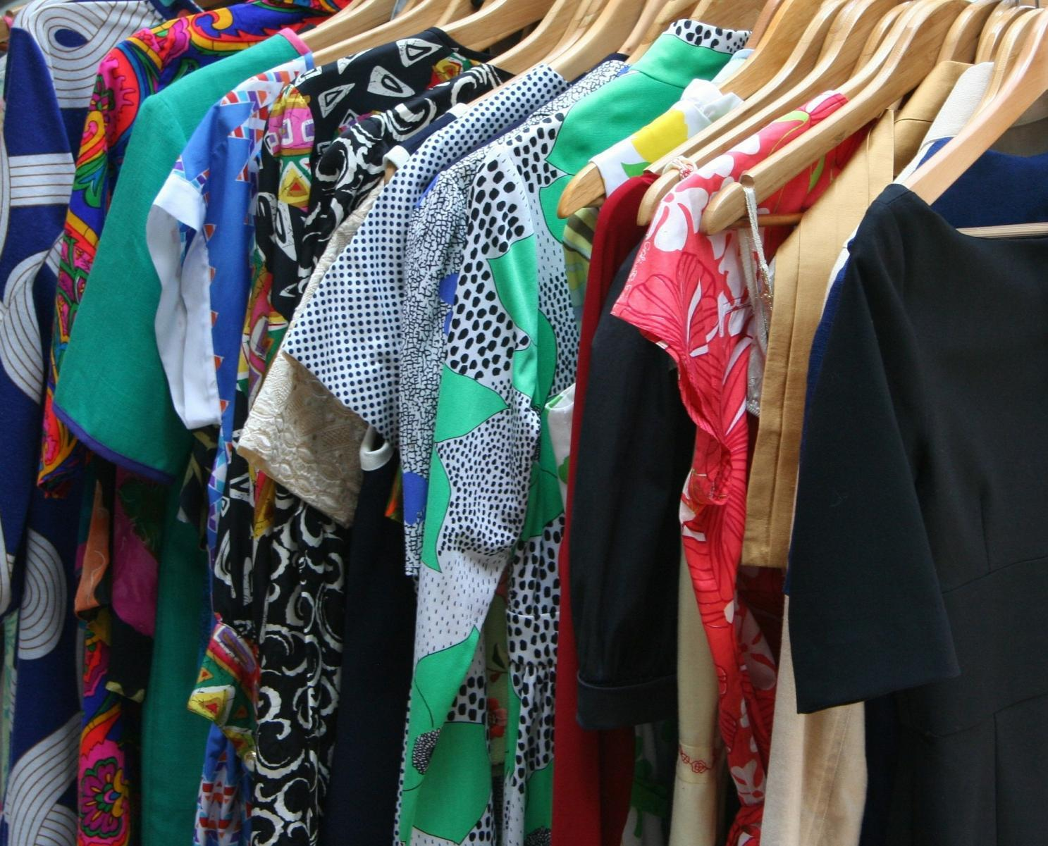 How to transform outdated clothes