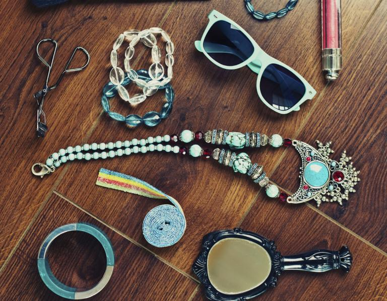 Jewellery, sunglasses and other accessories.